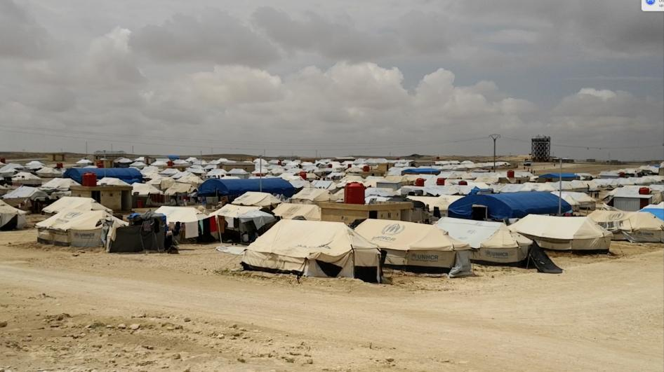 Syria: Thousands of Displaced Confined to Camps