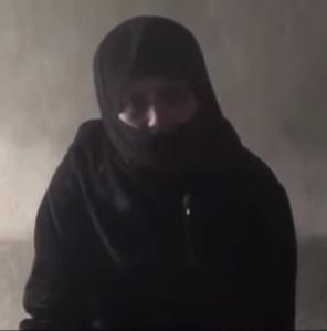 """""""أم محمد"""": رأيتهم يضعون كيساً في """"حلق"""" المعتقل حتى يختنق ويفارق الحياة"""