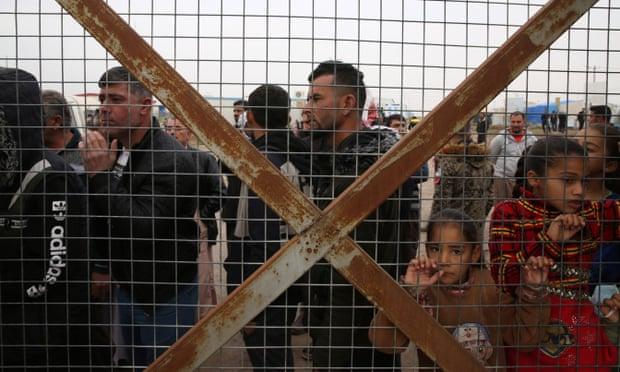 قادة العالم يناشدون لإتاحة لقاح كوفيد لملايين اللاجئين