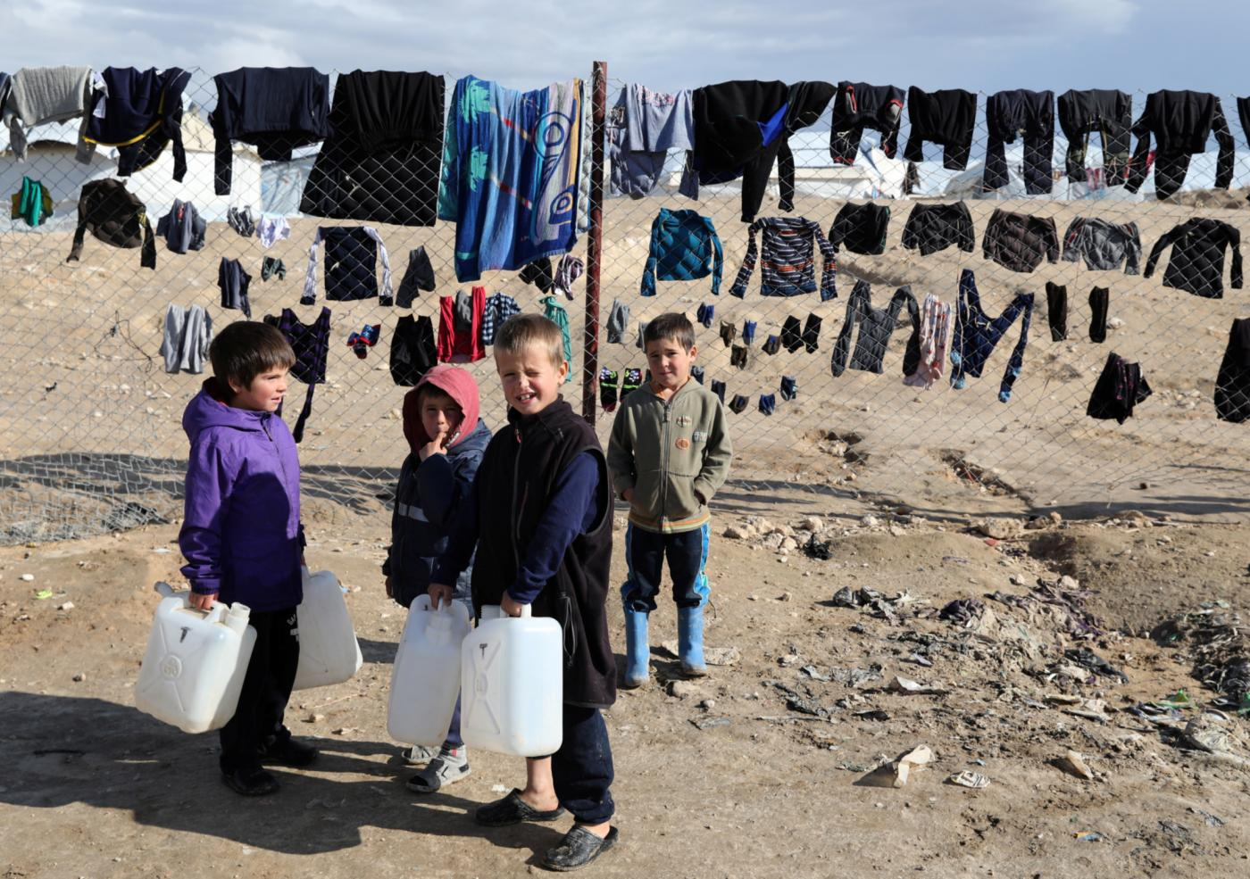 Syria: UN experts call on 57 states to repatriate women and children from squalid camps