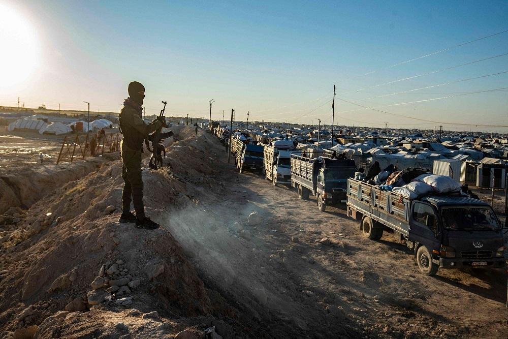 """مخيم الهول: اعتقالات واغتيال نساء وأطفال بتهمة التعامل مع """"قسد"""""""