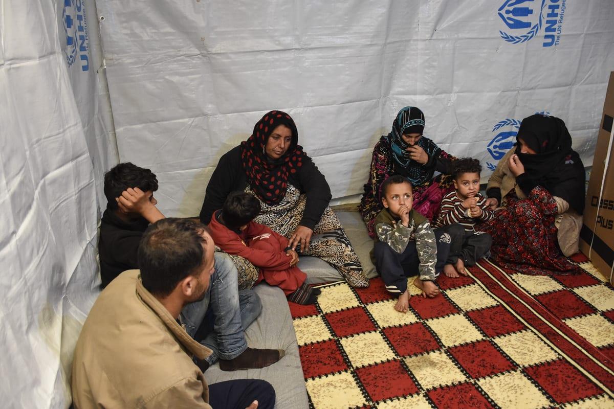 بلدية في لبنان تفرض حظر تجوّل ليلي على السوريين